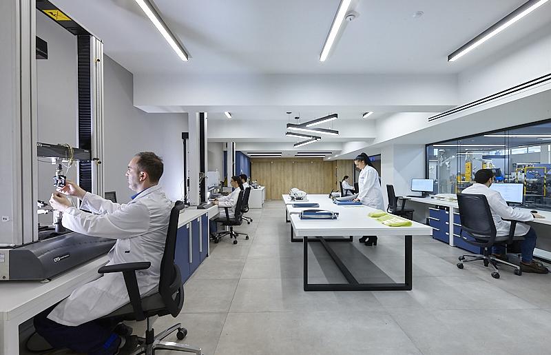 lab-new.jpg